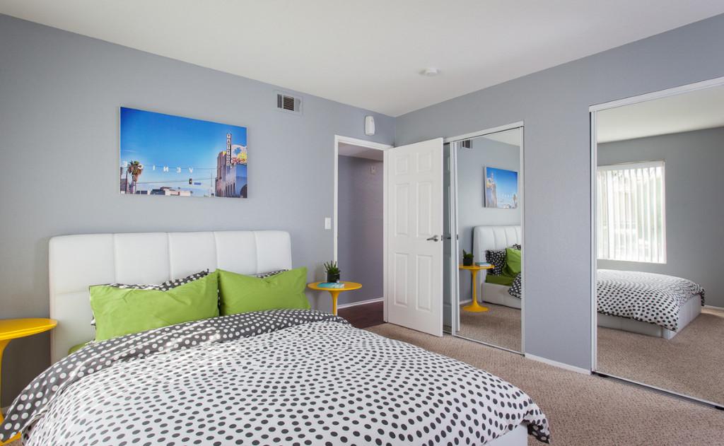 Corona Pointe Resort photo