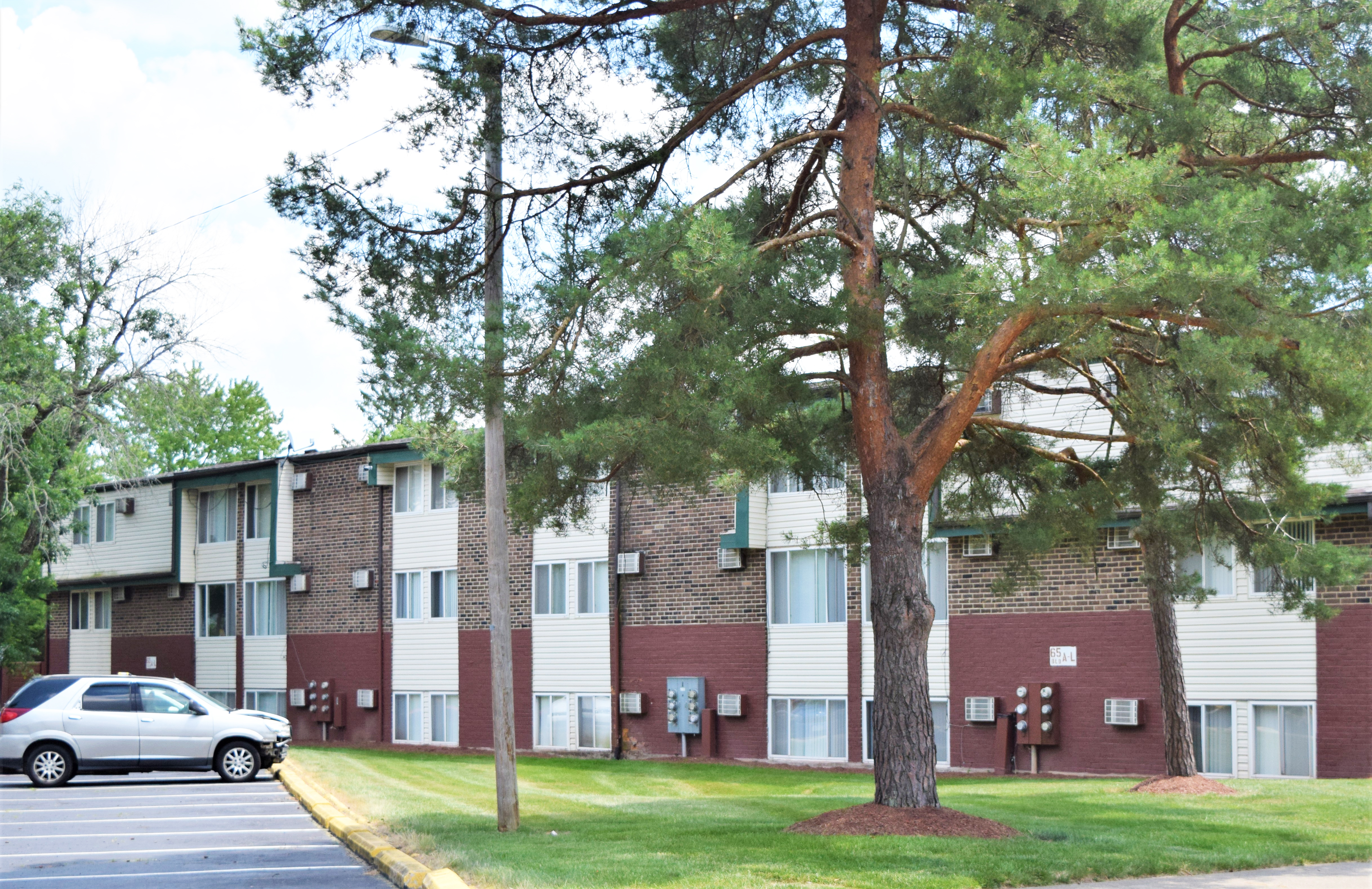 Pinewood Gardens (Affordable Housing; Income Limit Restrictions Apply)