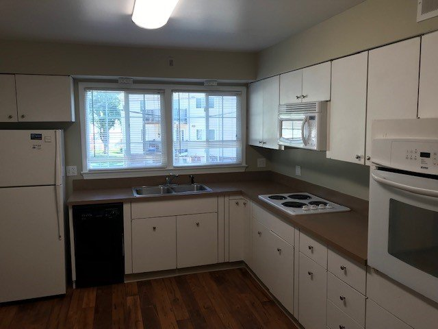 2 Bedrooms 1 Bathroom Apartment for rent at Pacific Gardens Apartments in Omaha, NE