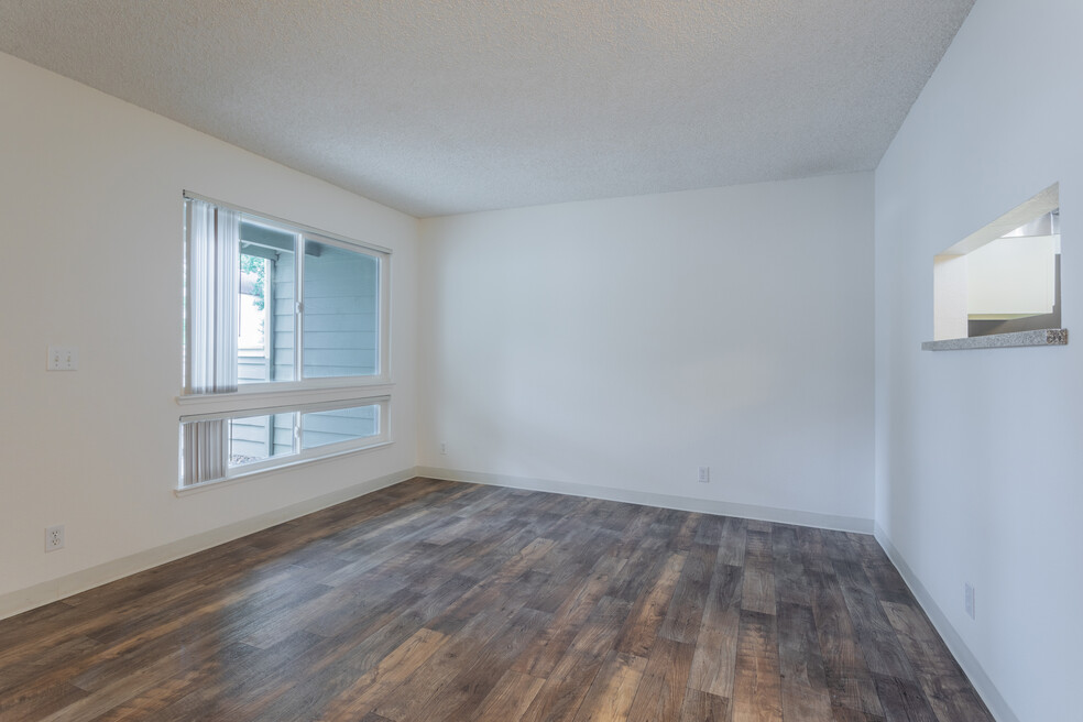 Amberwood Apartments for rent