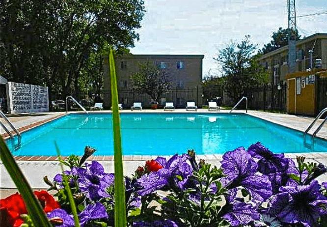 Davern Park Apartments photo