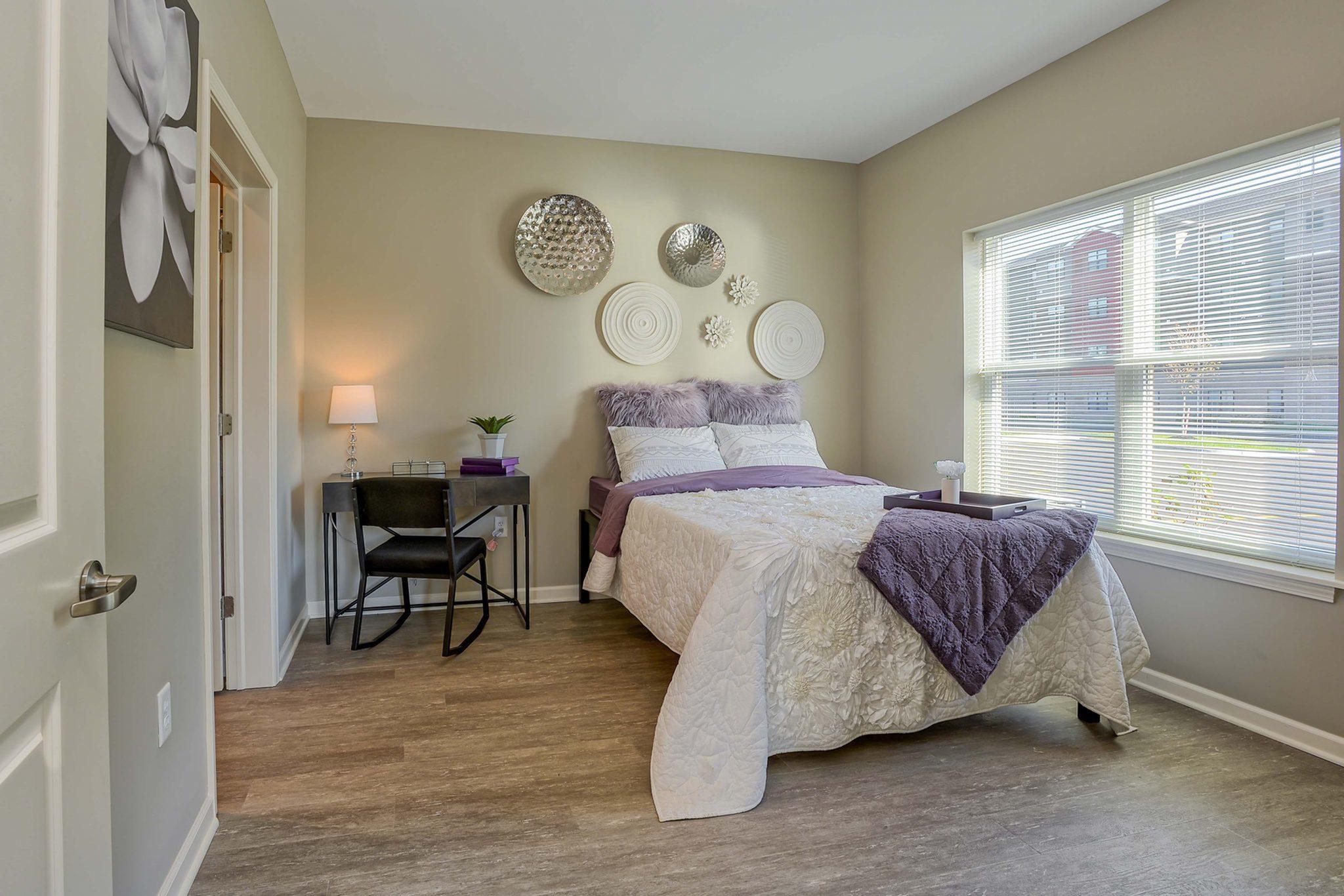 www.monarchstudentliving.com for rent