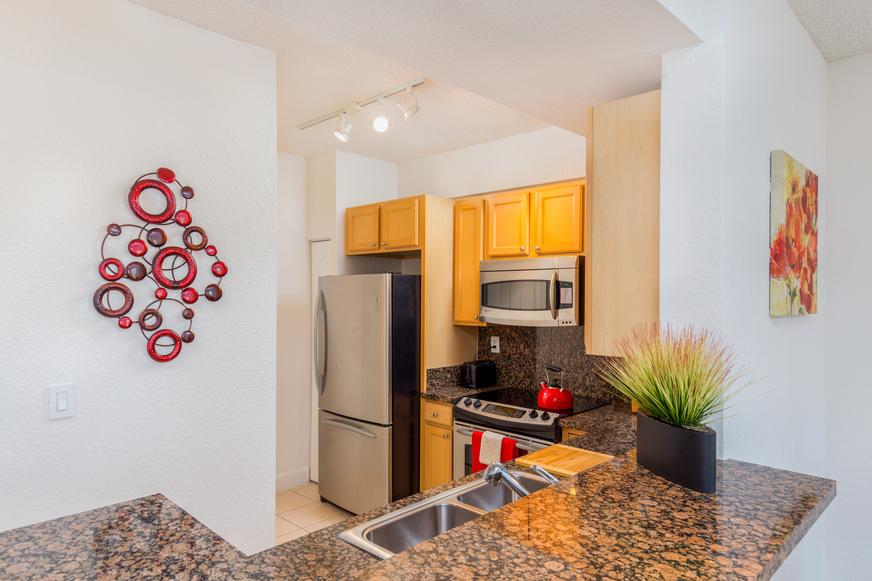 Valencia Miami rental