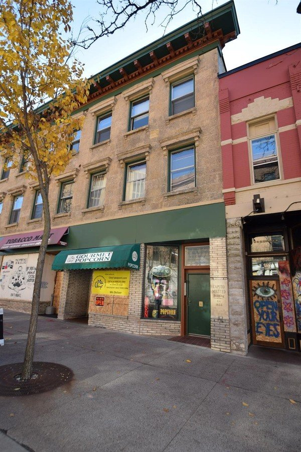1 Bedroom 1 Bathroom Apartment for rent at 105 1/2 State St in Madison, WI
