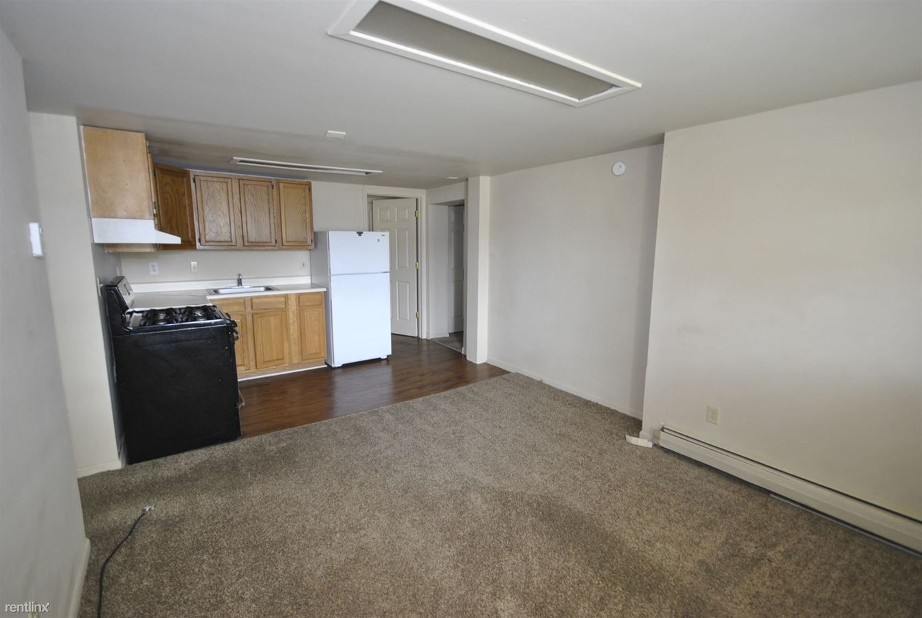 2 Bedrooms 1 Bathroom Apartment for rent at 558 S 5th Ave in Ann Arbor, MI