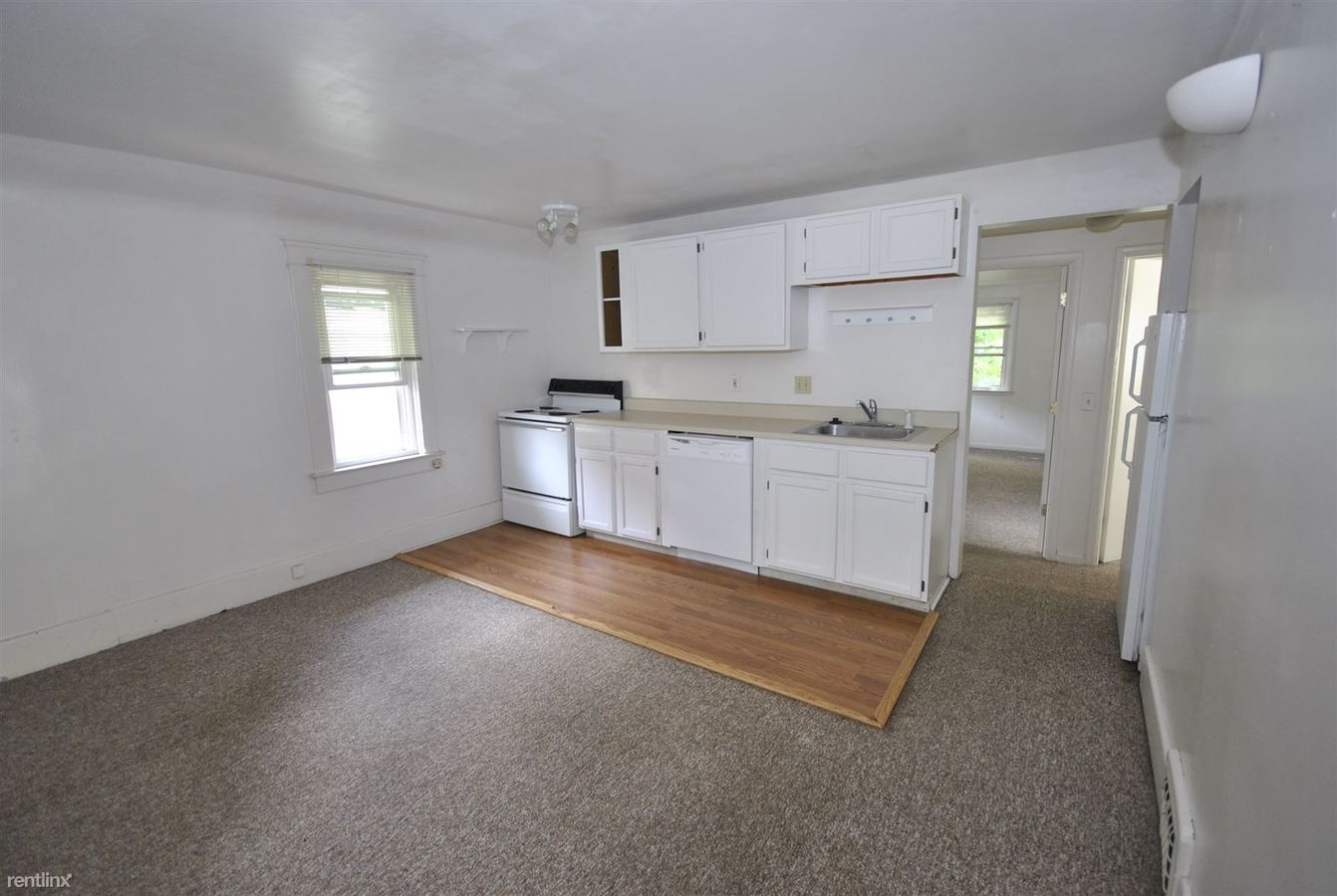 4 Bedrooms 1 Bathroom Apartment for rent at 912 Sybil St in Ann Arbor, MI