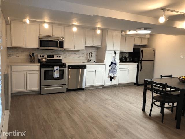 1 Bedroom 1 Bathroom Apartment for rent at 400 Maynard Apartments in Ann Arbor, MI