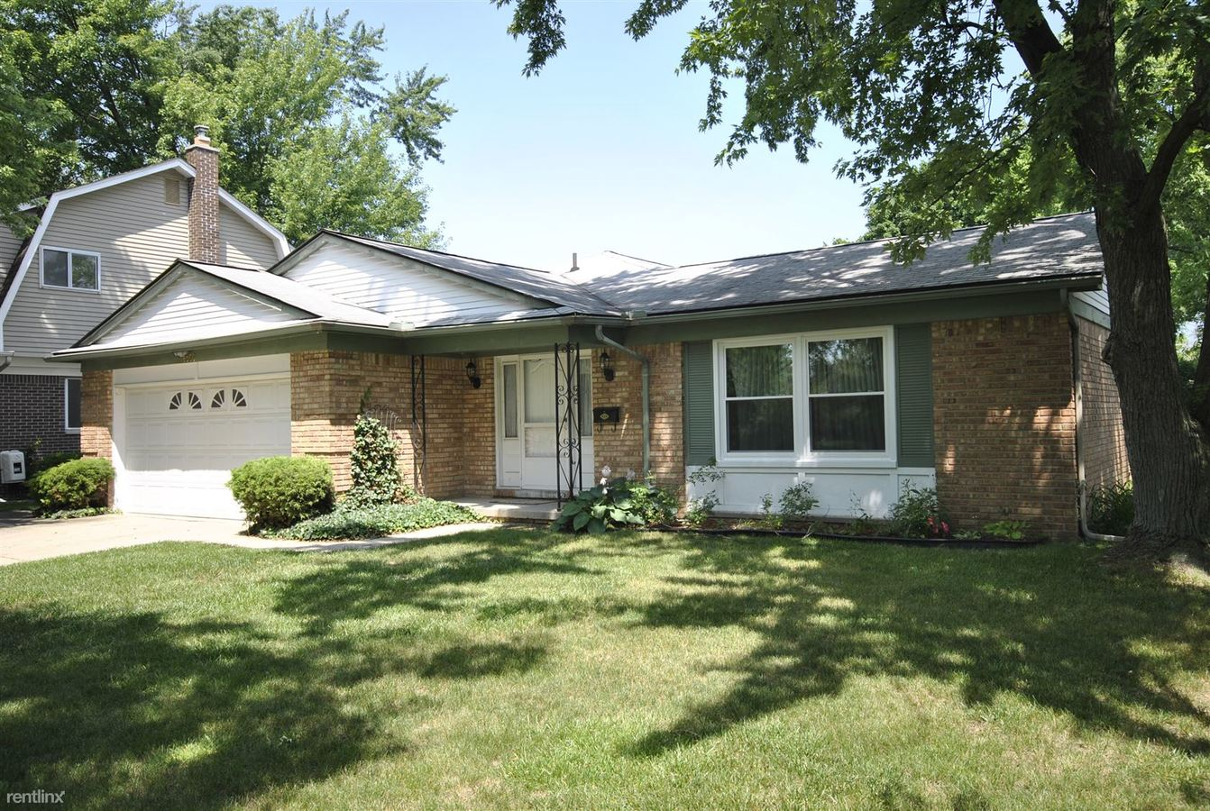 4 Bedrooms 2 Bathrooms House for rent at 2869 E Eisenhower Pkwy in Ann Arbor, MI