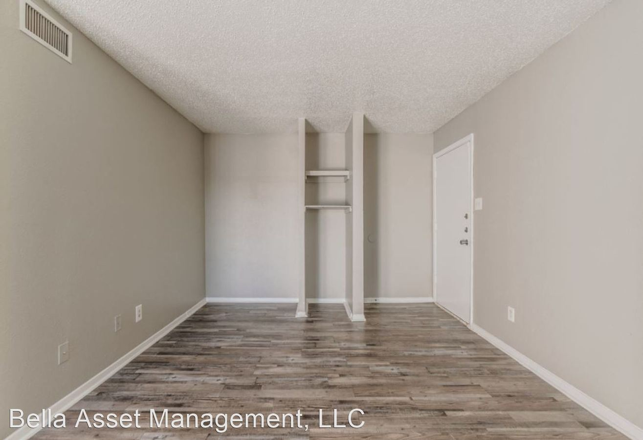 1 Bedroom 1 Bathroom Apartment for rent at 2333 Escalante Ave in Fort Worth, TX
