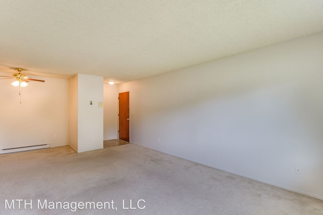 3 Bedrooms 2 Bathrooms Apartment for rent at 763 W Shepherd St in Charlotte, MI