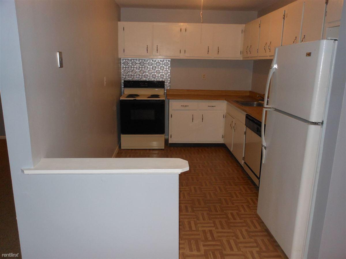 Oyster Bay Condominium Apartments Milford, CT