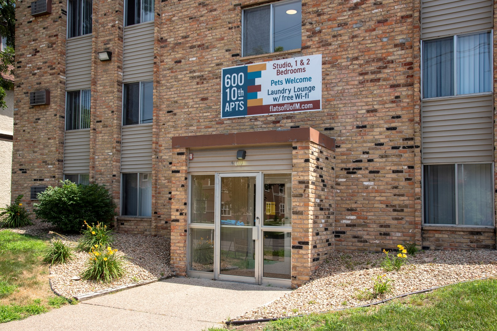 600 10th Ave Apartments for rent