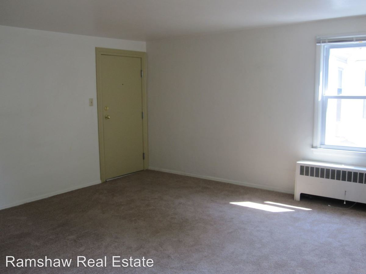 1 Bedroom 1 Bathroom Apartment for rent at 201 S Elm St in Champaign, IL