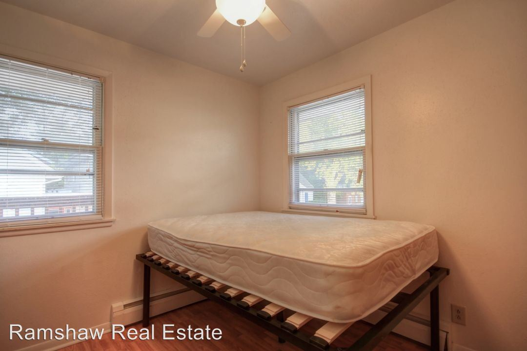 1 Bedroom 1 Bathroom Apartment for rent at 702 W Western St in Urbana, IL