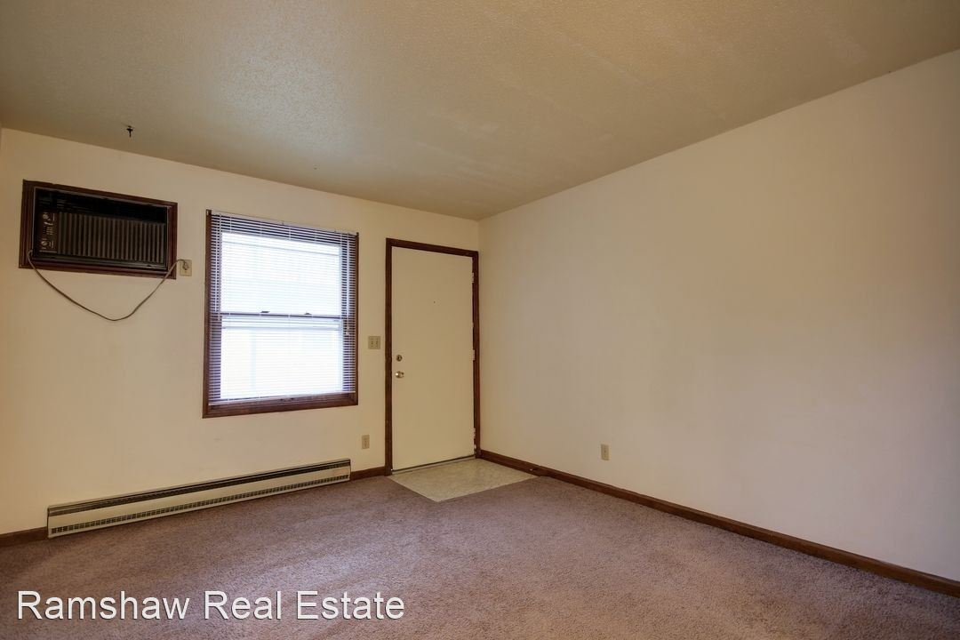 1 Bedroom 1 Bathroom Apartment for rent at 303 E Clark St in Champaign, IL