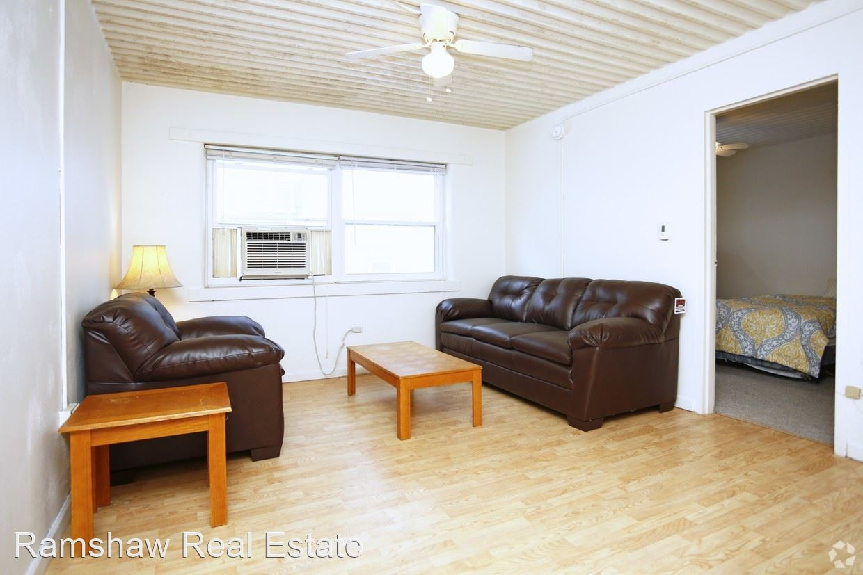 2 Bedrooms 1 Bathroom Apartment for rent at 102 N Gregory St in Urbana, IL