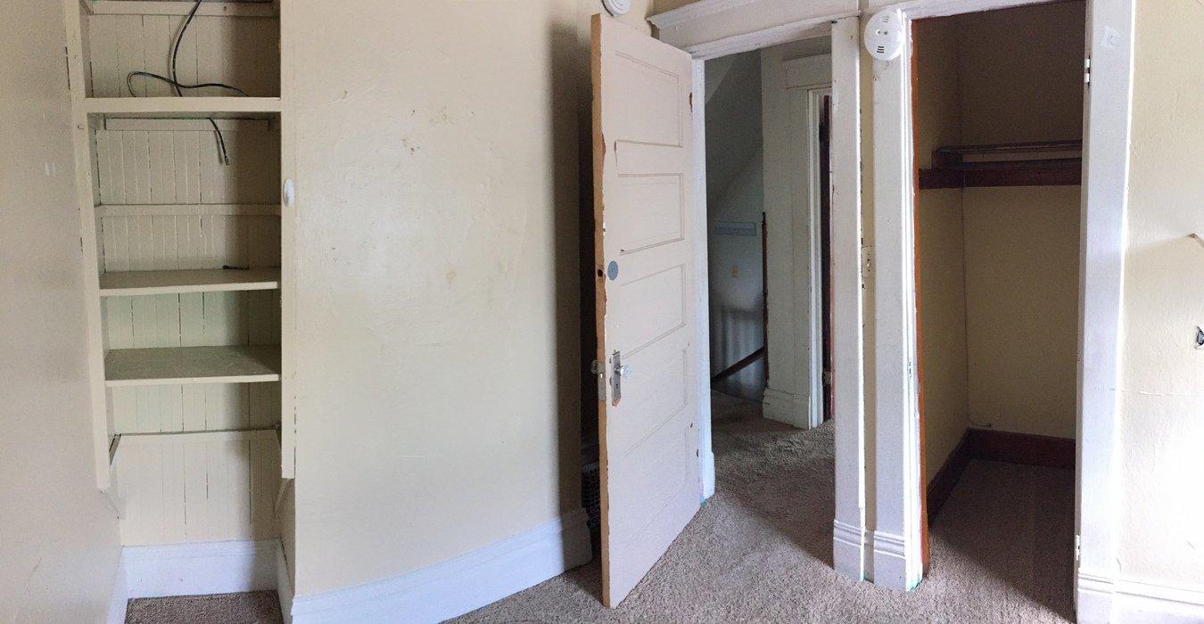 3 Bedrooms 1 Bathroom House for rent at 2304 Walnut St in Cedar Falls, IA