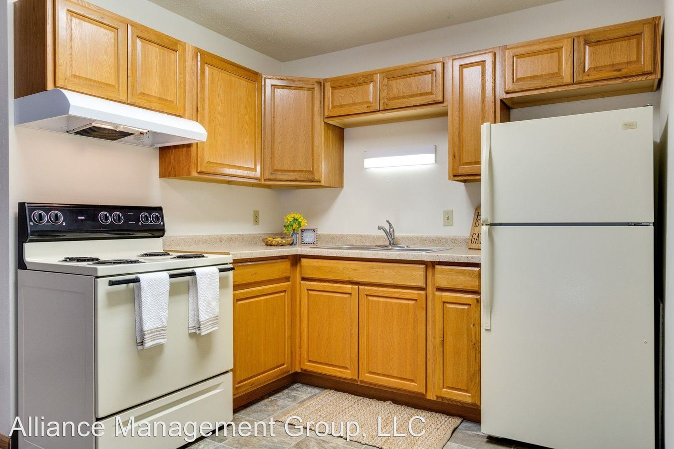 2 Bedrooms 1 Bathroom Apartment for rent at Edgewood Arms in Fargo, ND