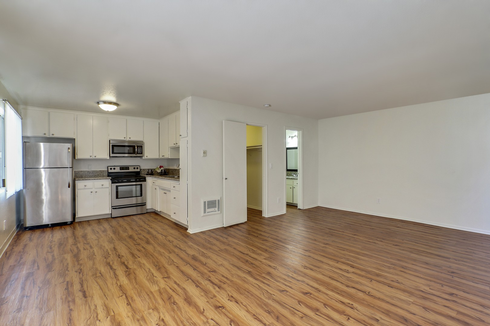 Gilmore  Apartments Van Nuys for rent