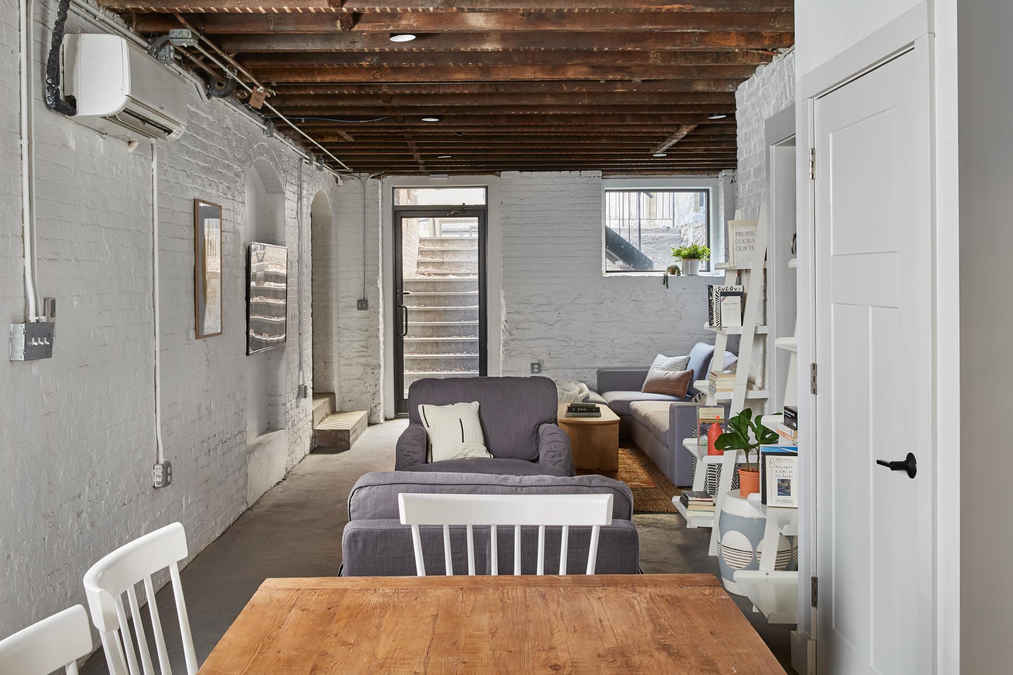 Common Hamilton for rent