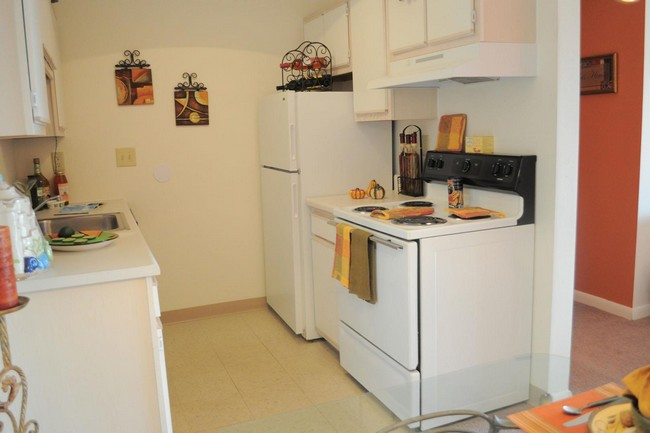 COBBLEGATE SQUARE APARTMENTS for rent