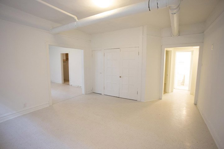 1 Bedroom 1 Bathroom Apartment for rent at 5034-5046 S. Woodlawn Avenue in Chicago, IL