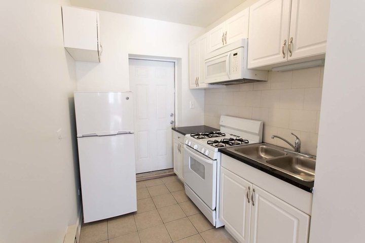 2 Bedrooms 1 Bathroom Apartment for rent at 5222-38 S. Drexel Avenue in Chicago, IL