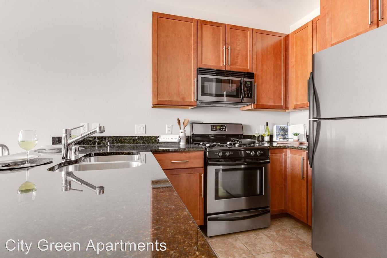 2 Bedrooms 2 Bathrooms Apartment for rent at City Green Apartments in Milwaukee, WI