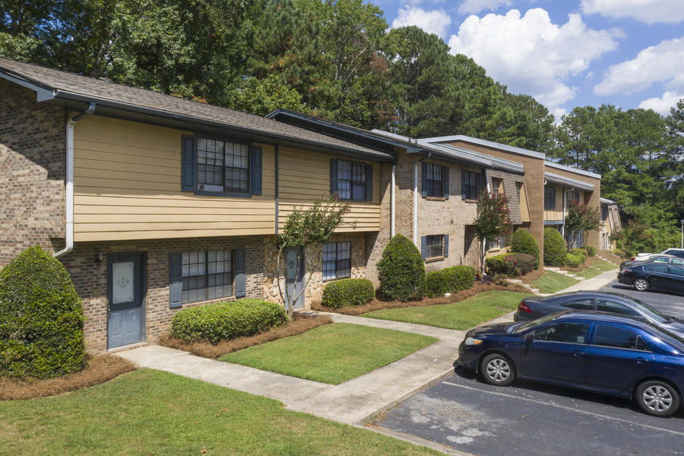 The Summit Apartment Homes