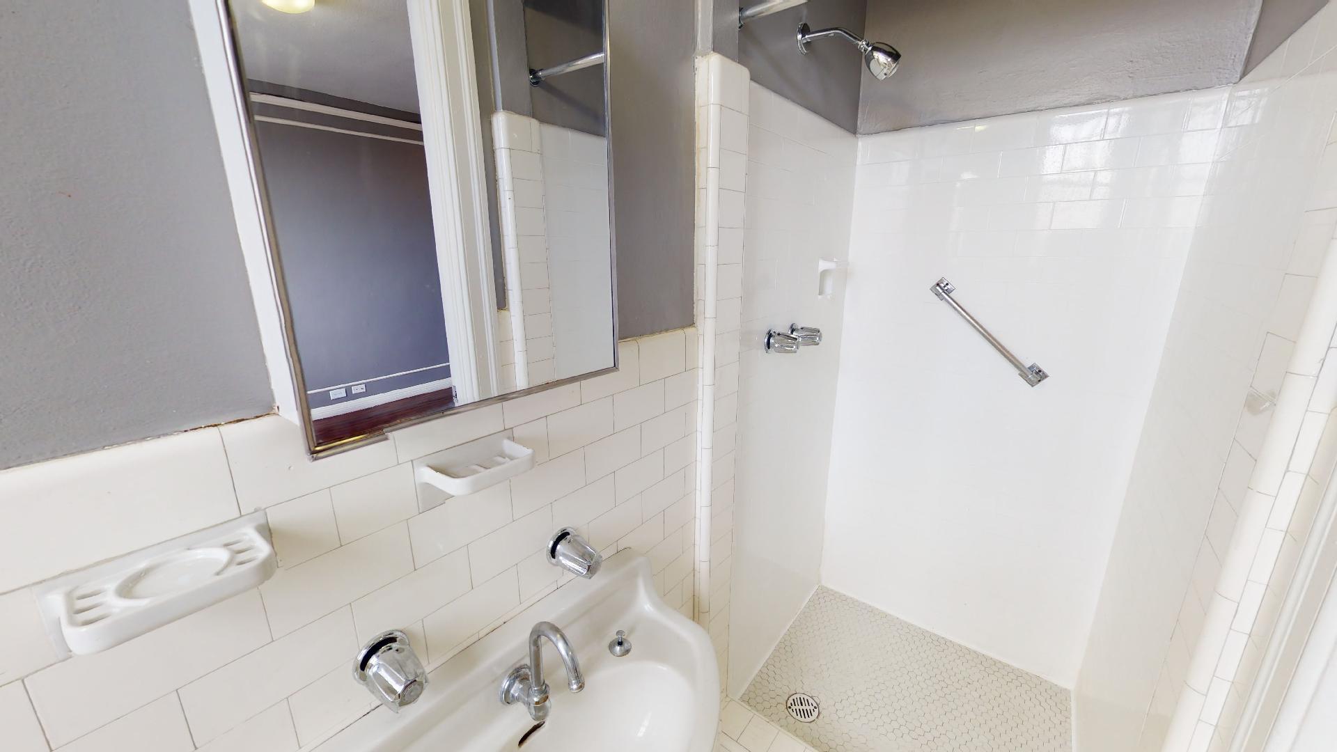 Wilshire Royale Apartments