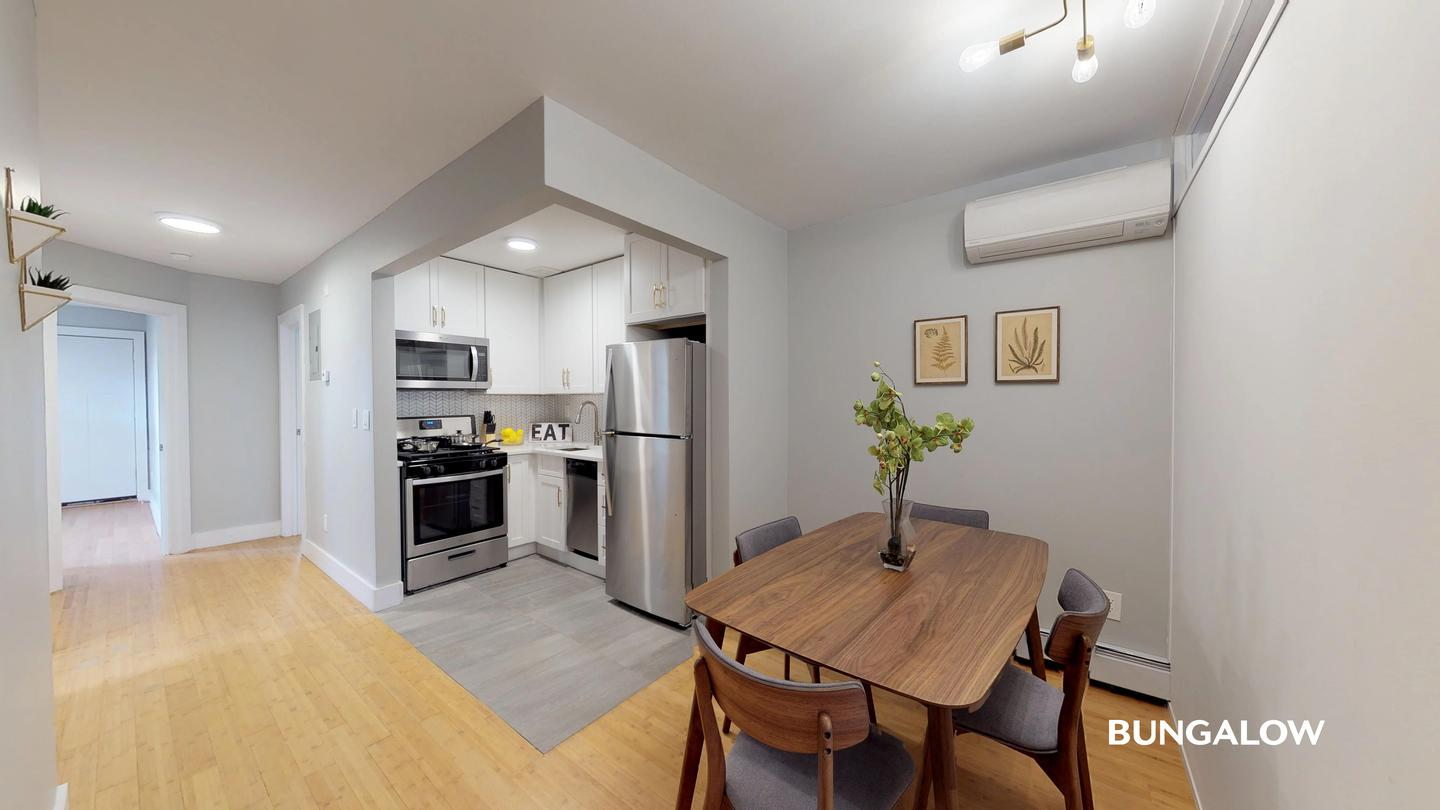 Private Bedroom in Gorgeous Crown Heights Home Near Fulton Park