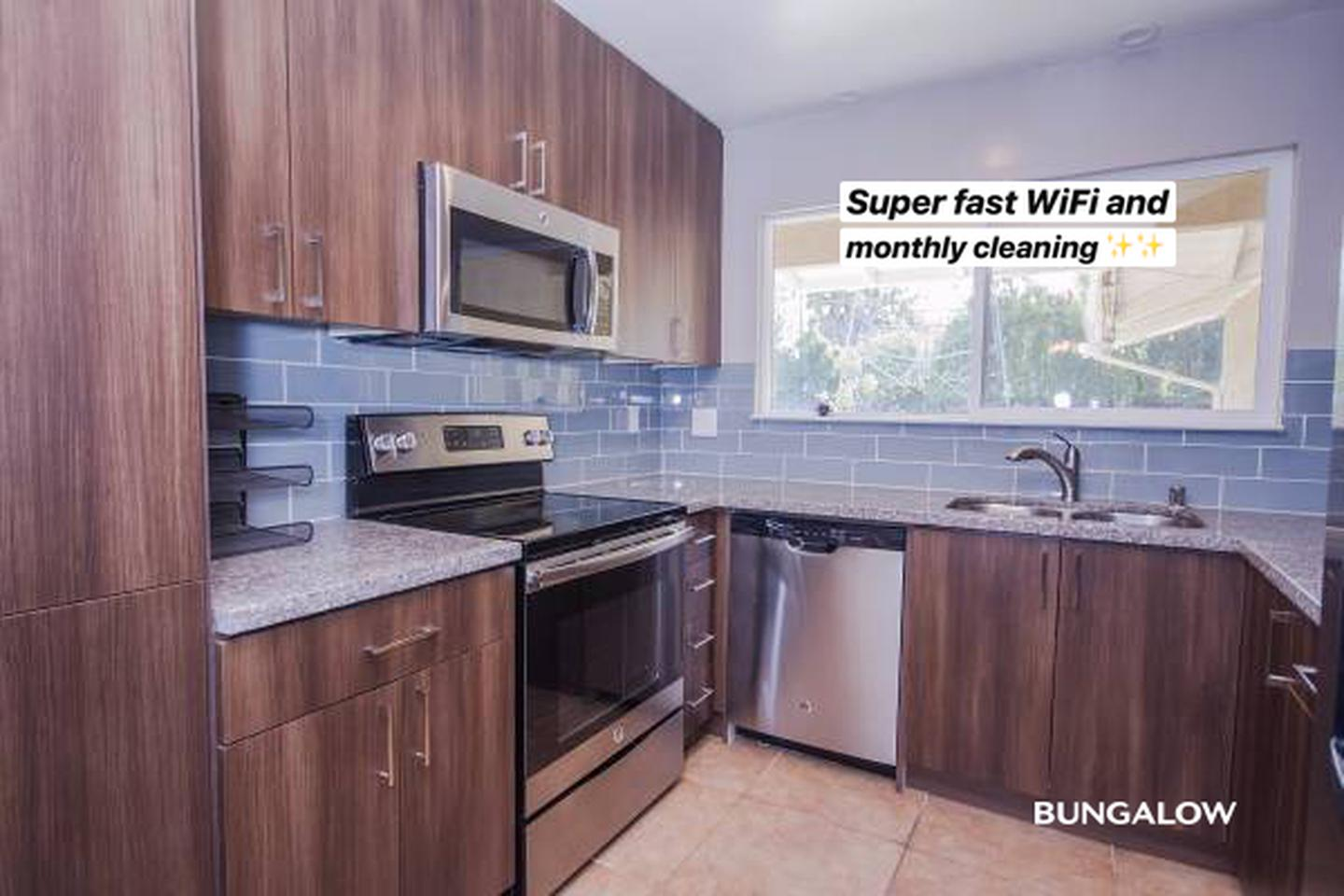 Private Room in Lovely Sunnyvale Home with Backyard Pool for rent