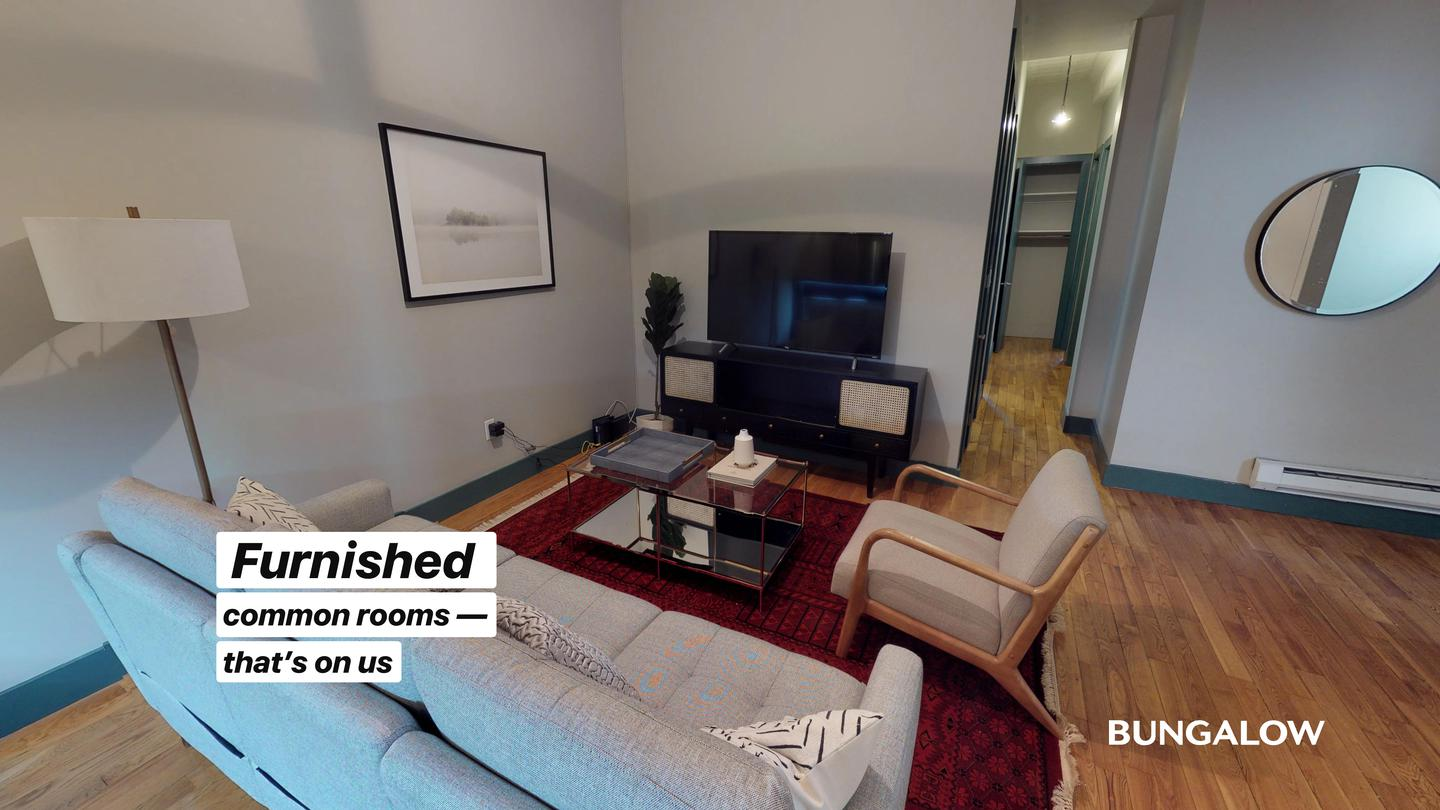 Private Bedroom in Classic Greenpoint Apartment Near McCarren Park photo