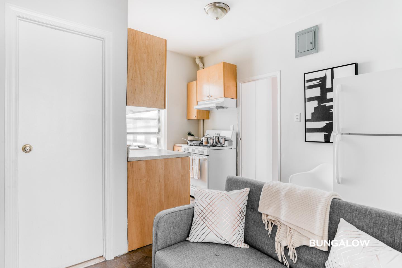Bright Williamsburg Apartment Near Montrose Ave Station