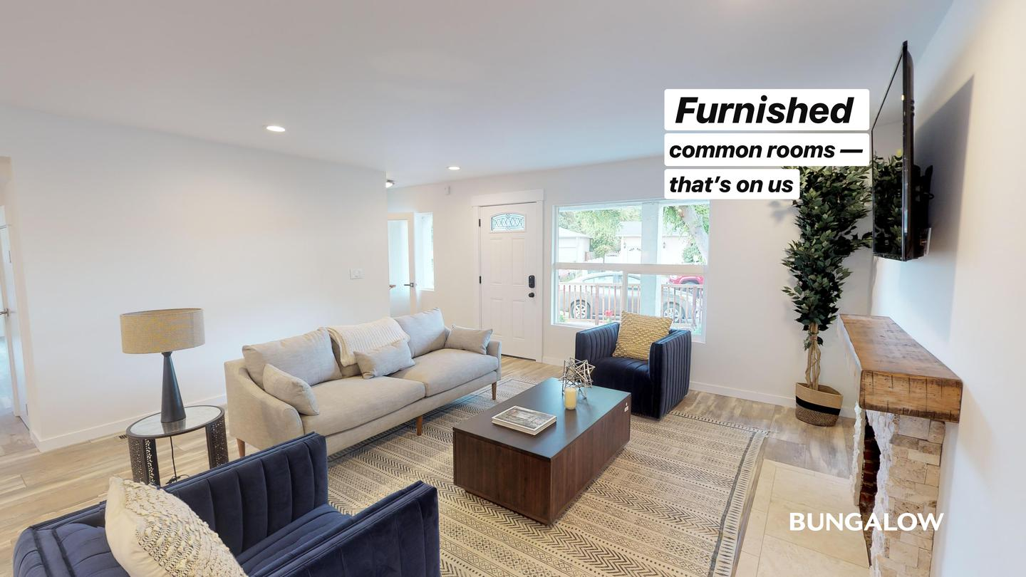 Private Bedroom in Stylish East Palo Alto Home with Beautiful Backyard for rent