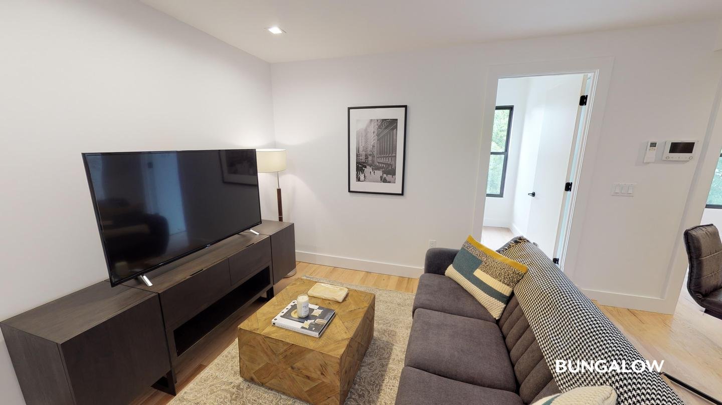 Private Bedroom in Modern Greenpoint Flat Near Waterfront