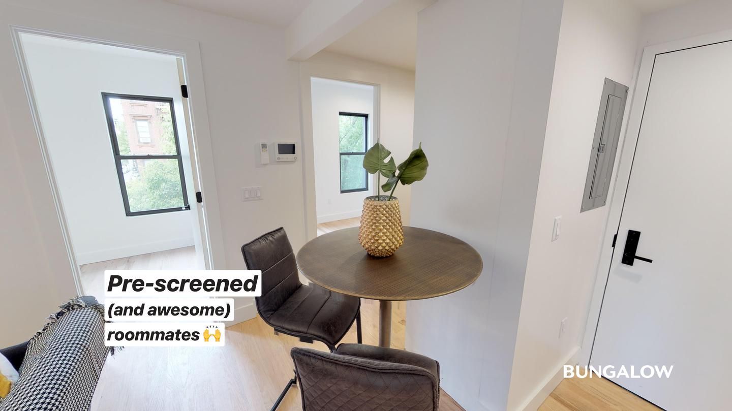 Live at Private Bedroom in Modern Greenpoint Flat Near Waterfront