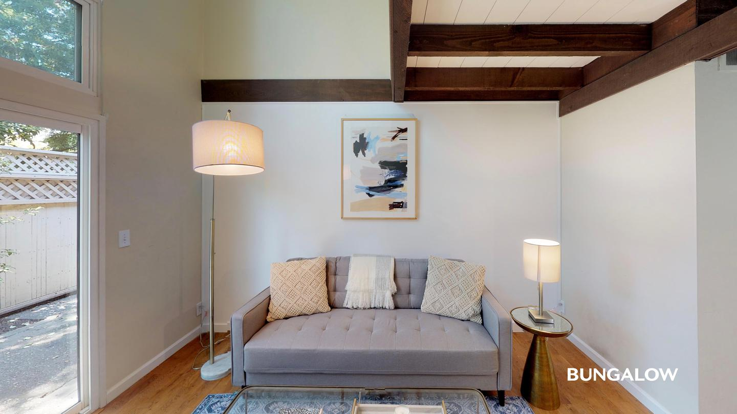 Private Bedroom in Classic Old Palo Alto Home With Shaded Side Patio for rent