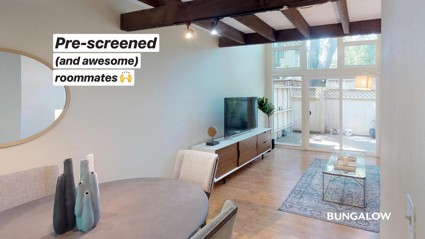 Live at Private Bedroom in Classic Old Palo Alto Home With Shaded Side Patio