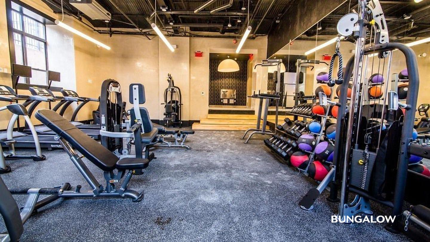Private Bedroom in Premier Williamsburg Apartment With On-Site Gym