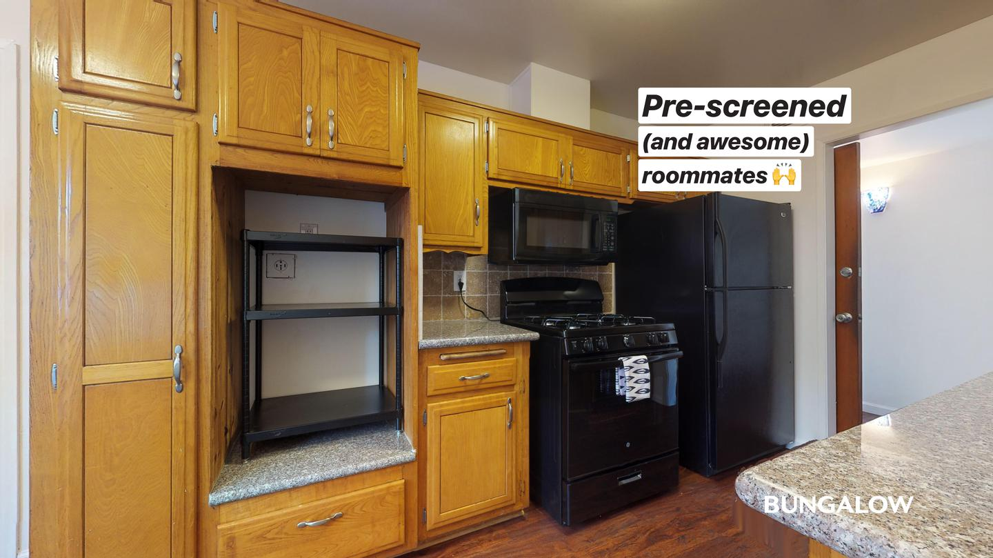 Private Room in Bright Clairemont Home with Backyard Terrace rental