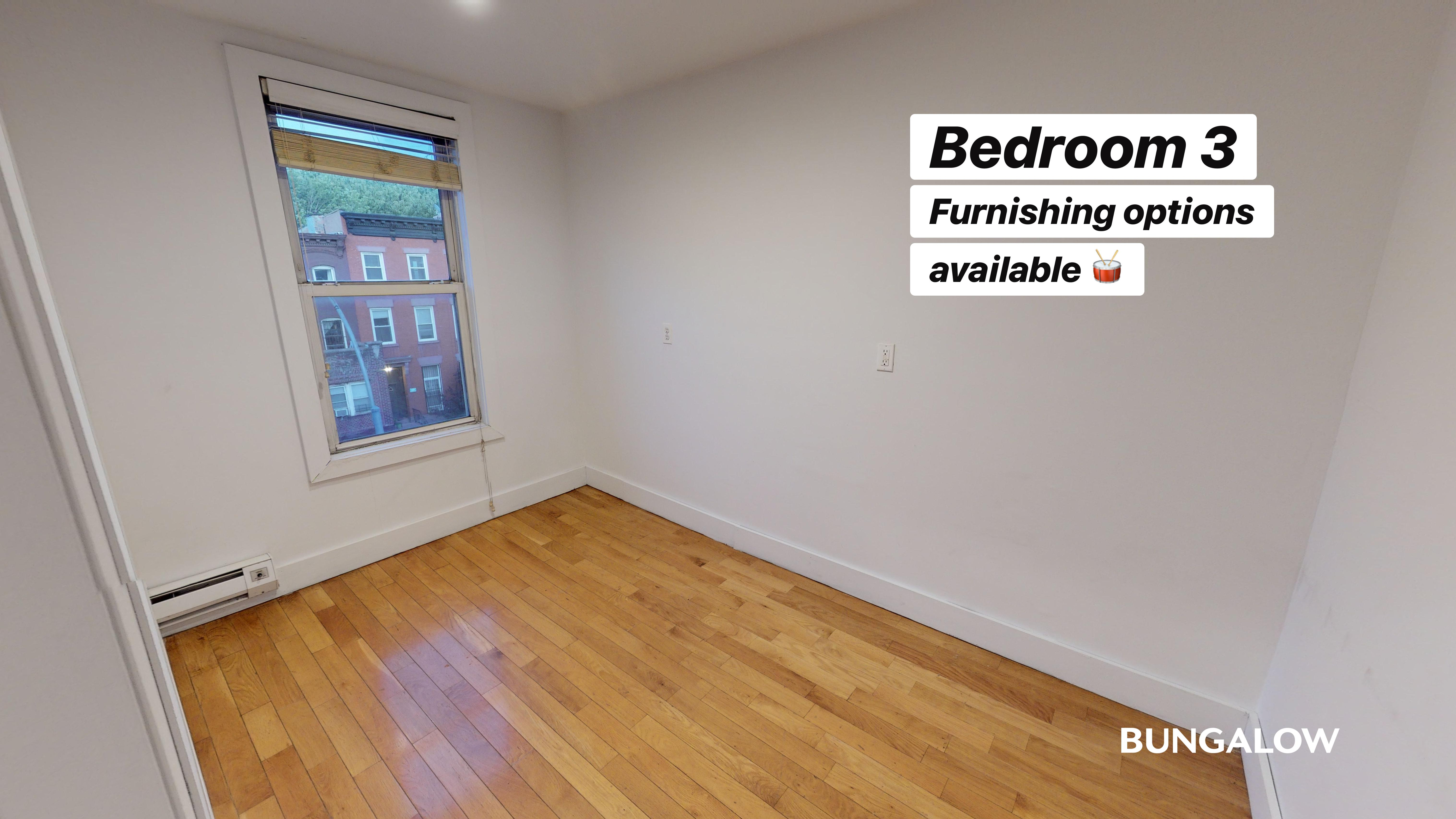 Private Room in Lovely Bedford Townhouse Near the G Line