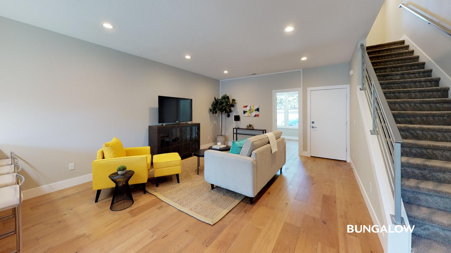 Private Bedroom in Spacious Buckman Townhome Off of Belmont Near Downtown