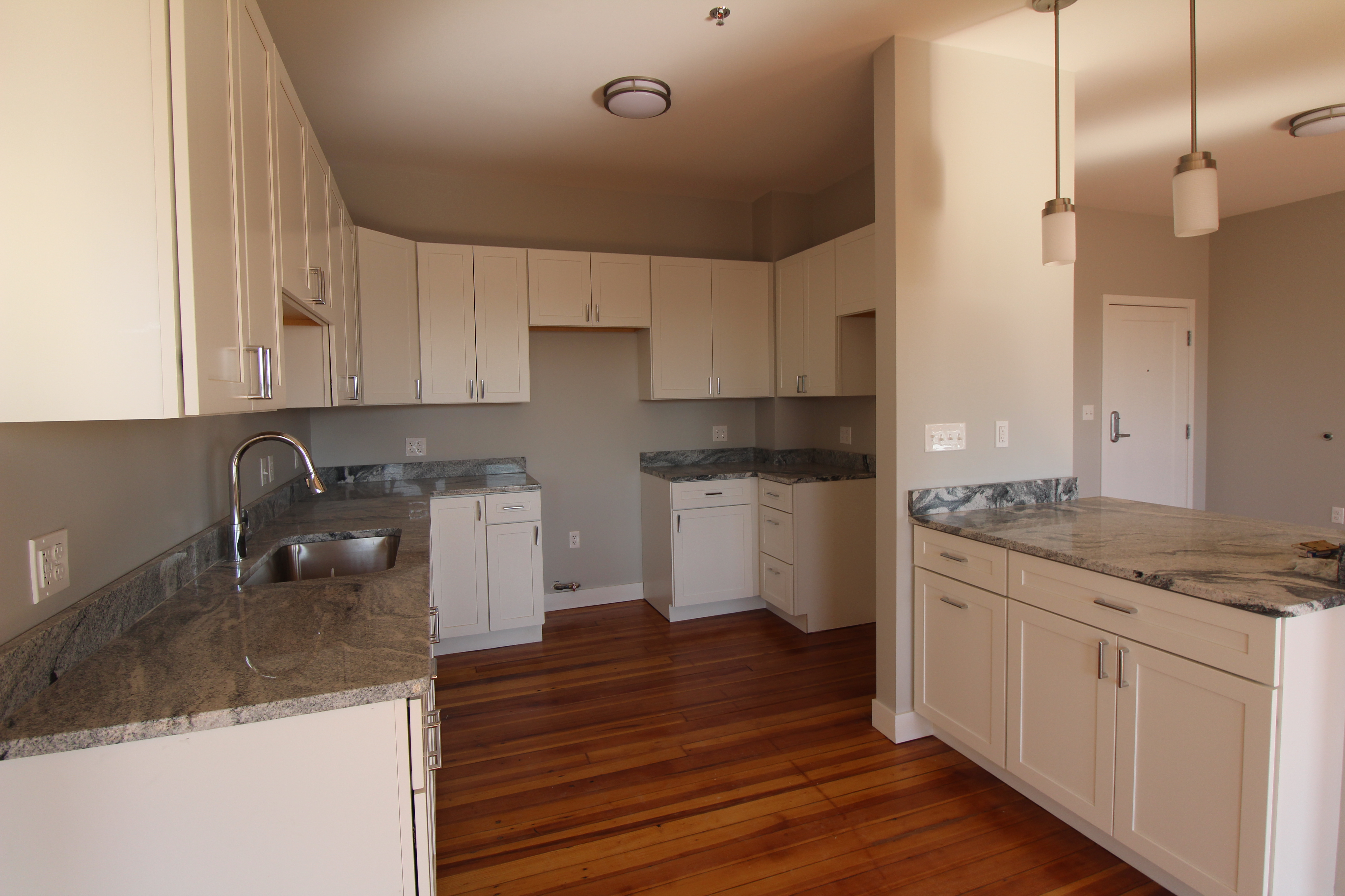 7 Apartments in Fall River, MA (AVAIL now)