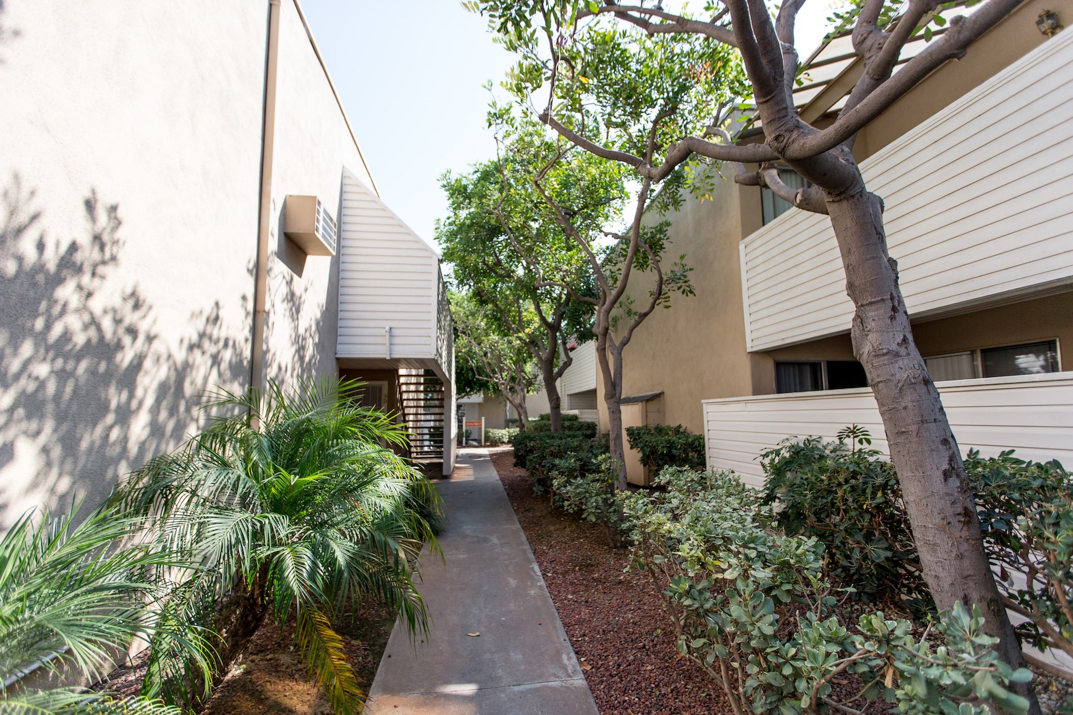 The Californian Apartments- HB rental