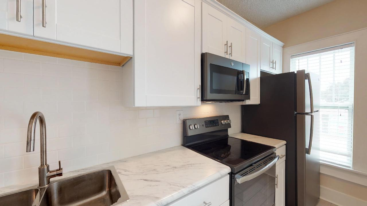 224 South Melville photo